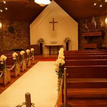 教会内です。