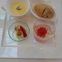 プチ試食の前菜とスープ