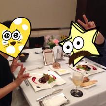 式の最後はVIP部屋で二人で食事。