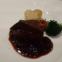 牛フィレ肉のロティール。柔らかい!