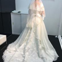 純白のドレスよりクリーム色派!2