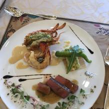 お肉料理と天ぷらとオマール海老でした。