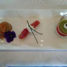 前菜。一番右のスパラのムースが濃厚。