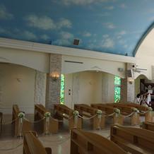教会内は可愛らしいです
