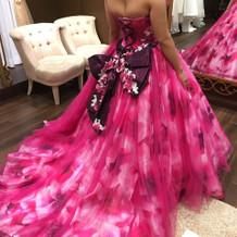 カラードレスうしろ