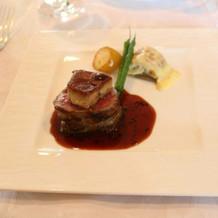メインの牛フィレ肉。美味しかったです