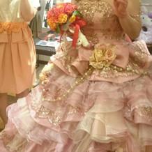 ピンクのドレスから選んでもらいました。
