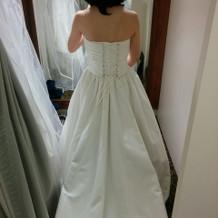 プラン内ドレス後ろです。