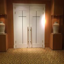 教会入り口のドア