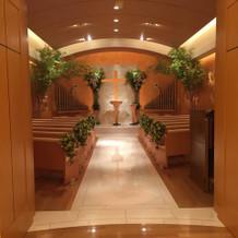 教会の中。照明工夫できそうです
