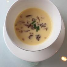 夏の始まりで、冷たいスープが素敵