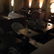旅館内にある二次会用のラウンジ写真②