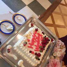 ケーキが可愛いく甘すぎず美味しかった