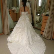 綺麗なAラインドレスです。