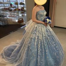 本番着用のカラードレス