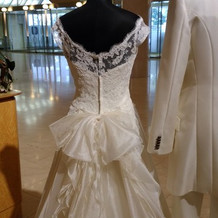 展示のドレスがきれいでした