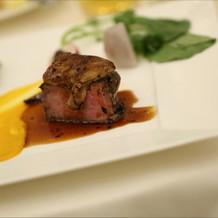 メインのお肉料理。