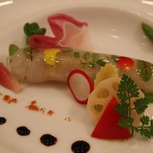 前菜 真鯛とカニのマリアージュ