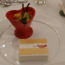 ホワイトチョコムース ウェディングケーキ