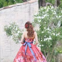 披露宴できたカラードレスです。