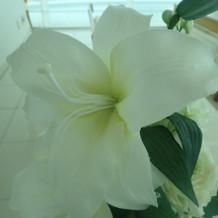 チャペルの造花はこんな感じ