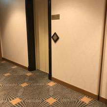 花嫁専用エレベーター