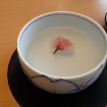桜の塩漬けのお茶