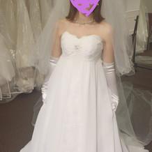 こちらのドレスに決定です
