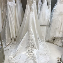 35万円のドレス3
