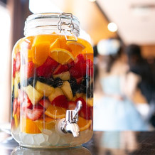 ゲストの方と一緒に作り上げた果実酒です。