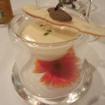 きれいな食器のスープ