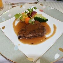 お肉が柔らかく美味しいと好評だったメイン