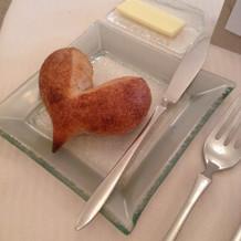 最初に出るハートのパン