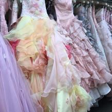 カラードレスも豊富でした!