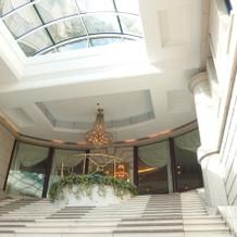 正面玄関大階段