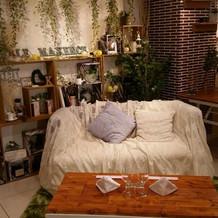 ソファーでアットホームな空間