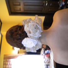 白ドレスヘア小物