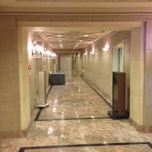 披露宴会場のある廊下