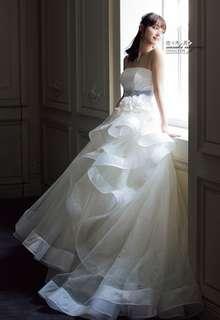 裾のパイピングがポイント!のフレアドレス