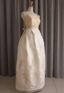 Gold silk shantang top&embroidery oeganza dress