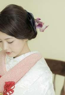 桜花園に鶴