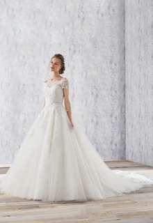 VERITAのウエディングドレス