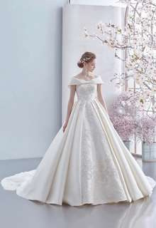HARTNELLロンドンのウエディングドレス