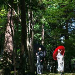 尾山神社境内にて