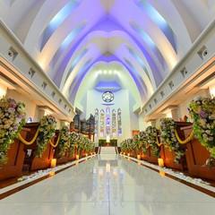 息をのむほどに荘厳で神聖さを持つ独立型大聖堂