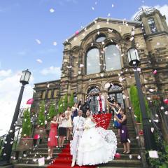 150年もの歴史を紡ぐ「本物」の英国大聖堂。祝福と笑顔の中、温かな愛の誓いをここで