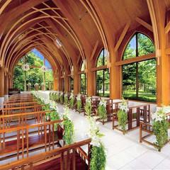福岡唯一の森の教会。雄大な土地に佇み大自然に囲まれた圧巻のチャペル