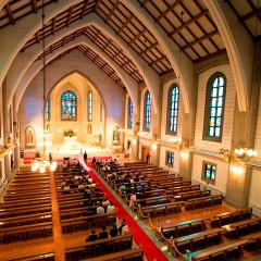 東海最大のカトリック教会!ステンドグラス、パイプオルガン、30メートルのバージンロード、、、全てが本物です。実際の結婚式をご見学いただけるブライダルフェアも開催しております。