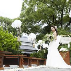 酒心館の長屋門を入ってすぐのところにあるお庭での挙式