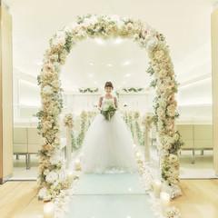 清らかな花嫁を象徴しているかのような、真珠の煌めきをイメージして造られたチャペルで愛の誓いを…